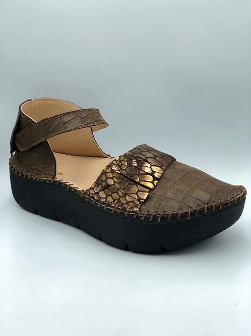 Chocolate croc sandal with fringe