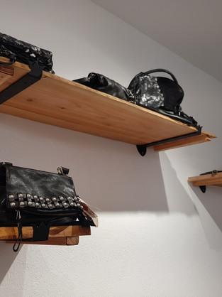 supports étagères magasin