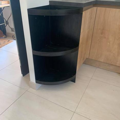 meuble d'angle en acier