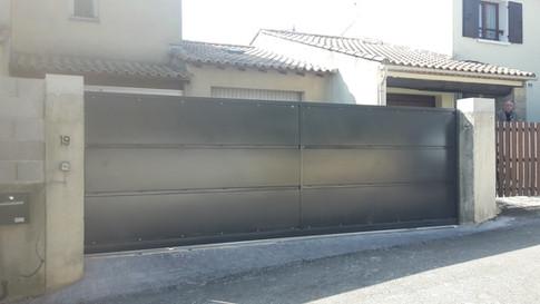 Portail metallique coulissant motorisé