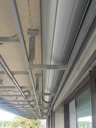 Structure métallique pour faux plafond