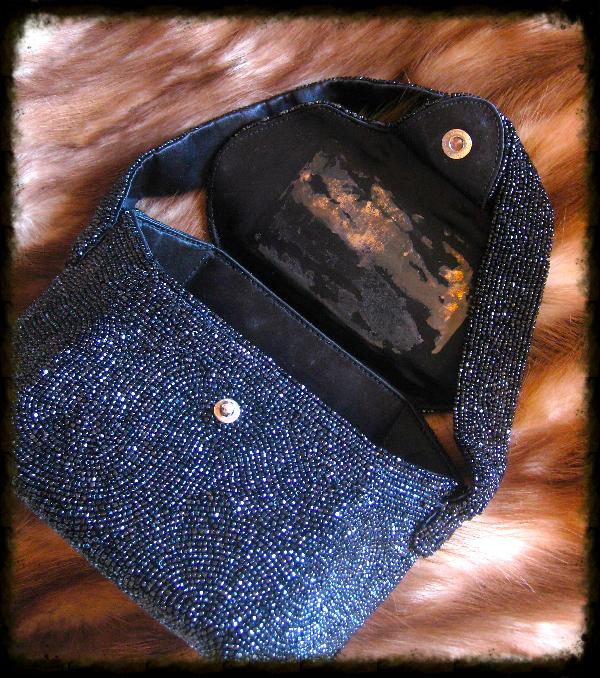 black beaded purse2