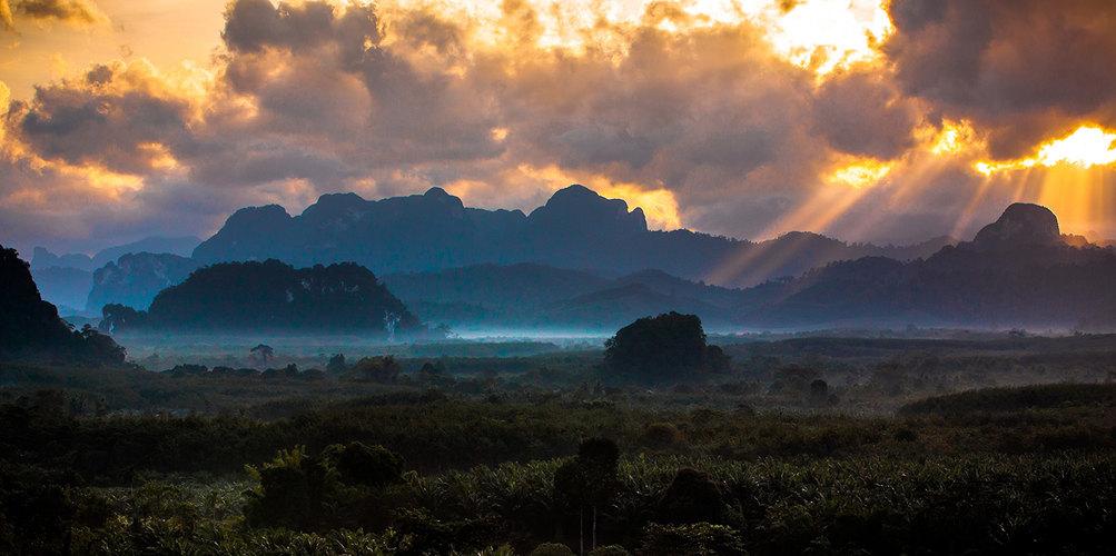 Sunrays at Elephant Hills.