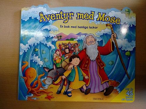 Äventyr med Mose - En bok med hemliga luckor