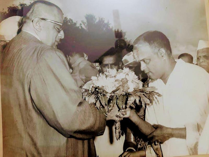 Dr. Nagendra Shastry's music guru, Ambi Bhagavatar with Mysore Maharaja HH Jayachamarajendra Wodeyar