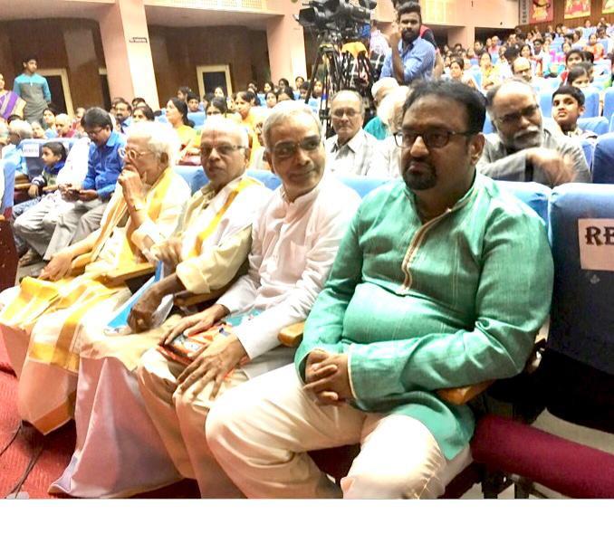 Dr. Nagendra Shastry ith vidwans, Annavarappu Ramaswamy, Kommanduri Seshadri, Raghavachari of Hyderabad BrothersWith Vidwans, Annavarappu Ramaswamy, Kommanduri Seshadri, Raghavachari of Hyderabad Brothers