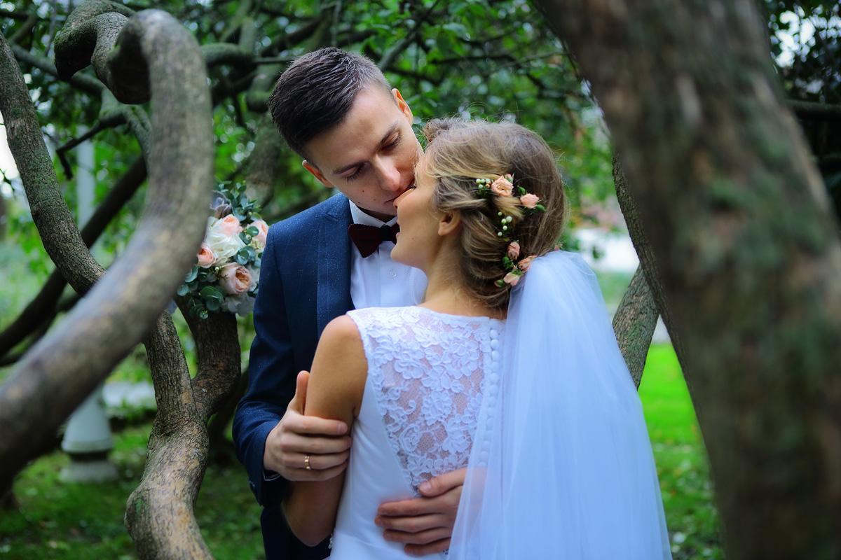 свадебная прогулка в парке Москвы
