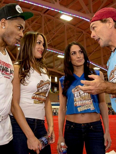 Captains Coin Toss - Nelly, Flutie & the Bella twins