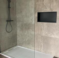 Badkamer douche geplaatst
