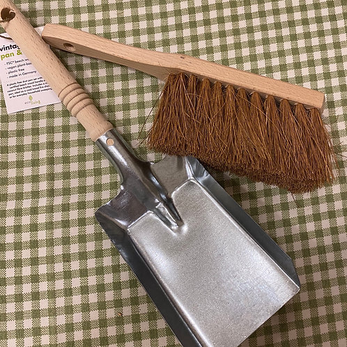 Pan & brush