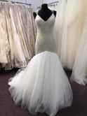 Victoria_Kaye_lace_bespoke_wedding_manchester