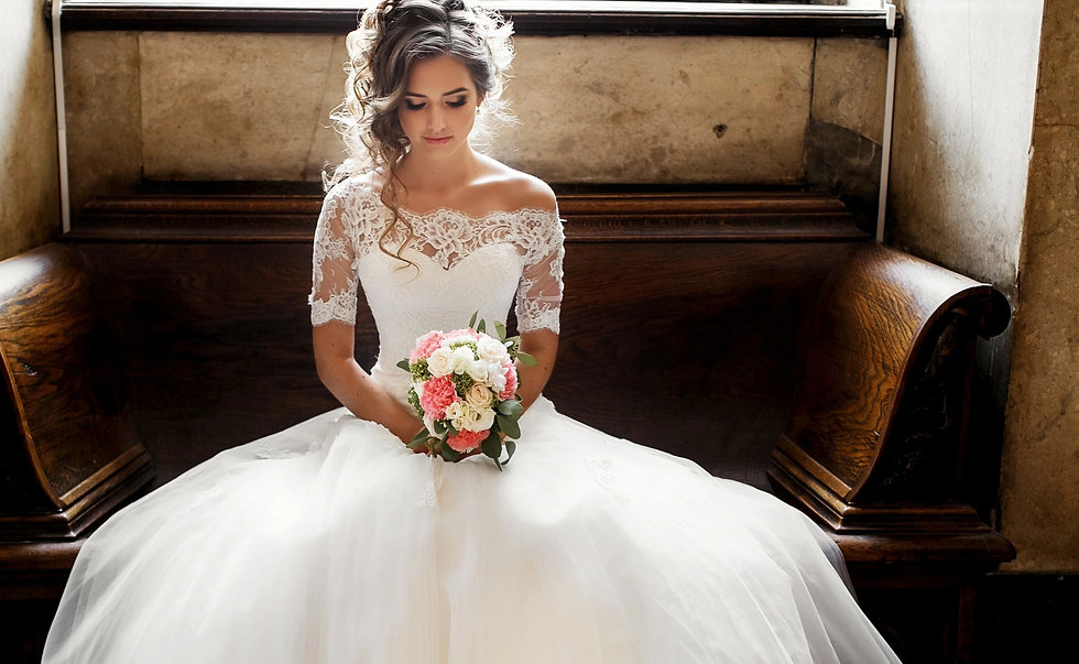 Wedding Dresses in Manchester | Top Designer Wedding Dresses at up to 80% Discount | A bridal shop in Manchester you will love.