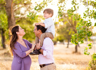 GOLDEN HOUR MATERNITY SHOOT // BAYLANDS PARK, SUNNYVALE