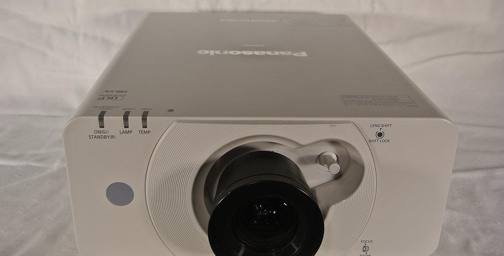 Panasonic PT-DZ 570 projector 4000 ansilumen WUXGA FULL HD