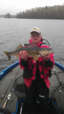 steve 28 walleye