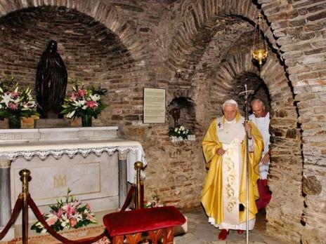 Pope Benedict XVI visiting House of Virg