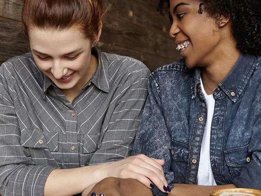 Estudo mostra a presença de lesbofobia nos ambientes de trabalho