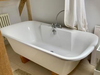 TTC-bathroom-2-bath.jpg