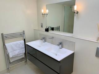 bh-bathroom-3-sink.jpg