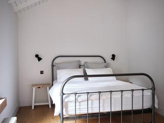 TRACY-HEAD---location-shots_Bedroom---An