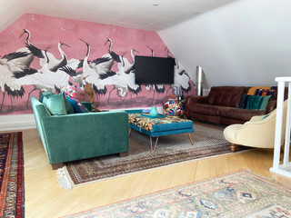 Sitting-room-and-minstrel-balcany.jpg