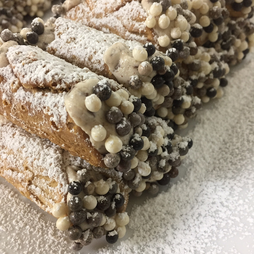 Cream Filled Cannoli