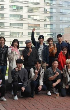 붉은 안갯속의 서울 전체출연배우 기념사진.