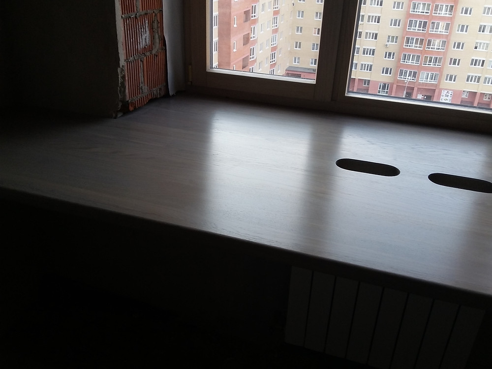 стол-подоконник из дуба