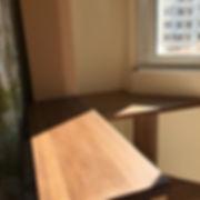 подоконник совмещенный со столешницей для лоджии