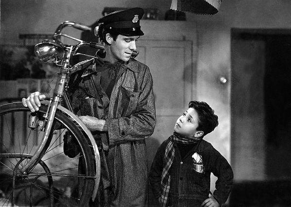 הסרט גנבי האופניים - ויטוריו דה סיקה