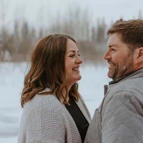 Snowy Calgary  Engagement Session | Central AB Photographer | Elizabeth + Taylor