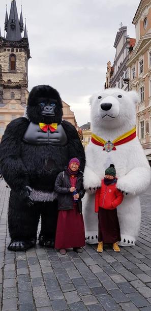 S medvědy na Staroměstském náměstí