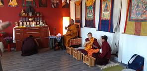 Při iniciaci s Sherab Gyaltsen Rinpočhe