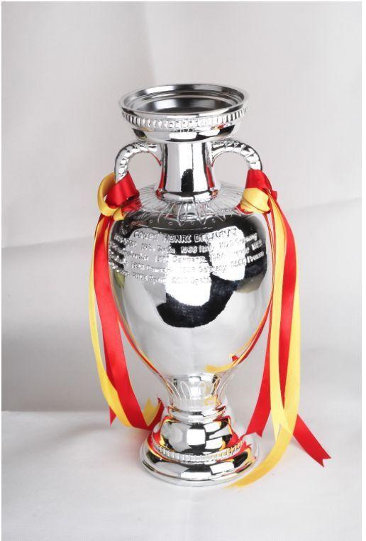 The-Henri-Delaunay-Cup-font-b-UEFA-b-font-European-Champions-font-b-Trophy-b-font.jpg