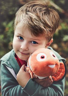 Kopie von Dominik mit Nemo Portrait.jpg
