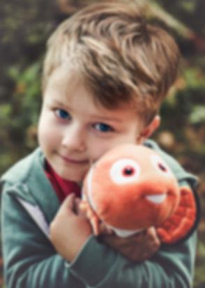 Dominik mit Nemo Portrait.jpg