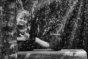 Kopie von a boy in black and white.jpg