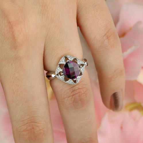 Elegant Garnet Ring