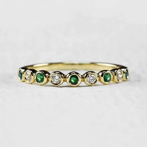 Bezel Emerald & Diamond Band