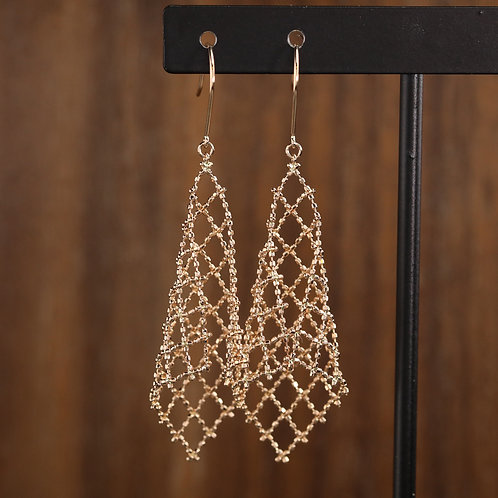 Lacey Dangles