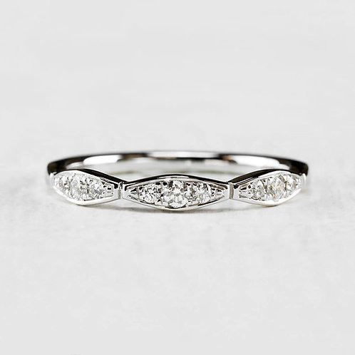 Scalloped Diamond Band