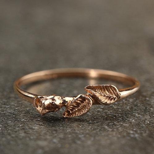 Rosebud Ring in Rose Gold