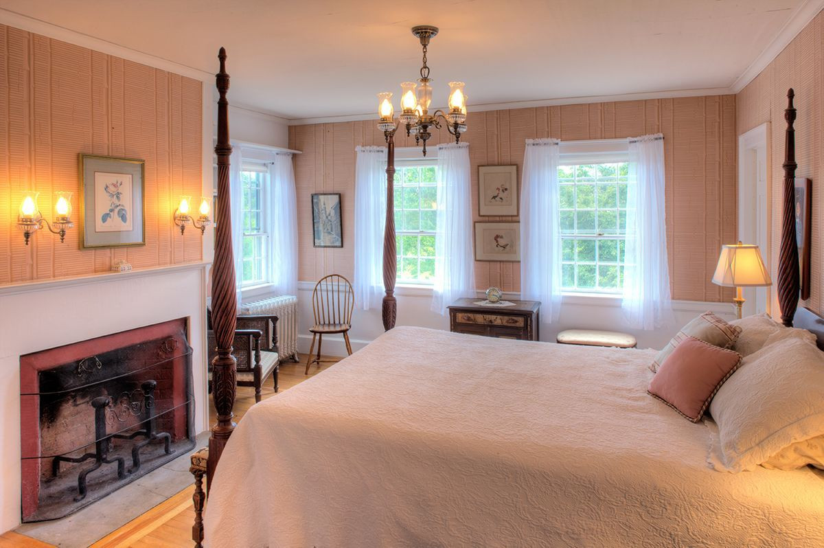 Main residence bedroom