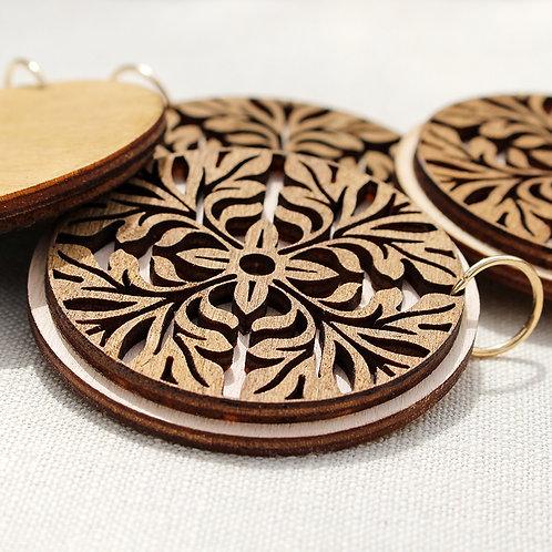 Leaves ornament pendant