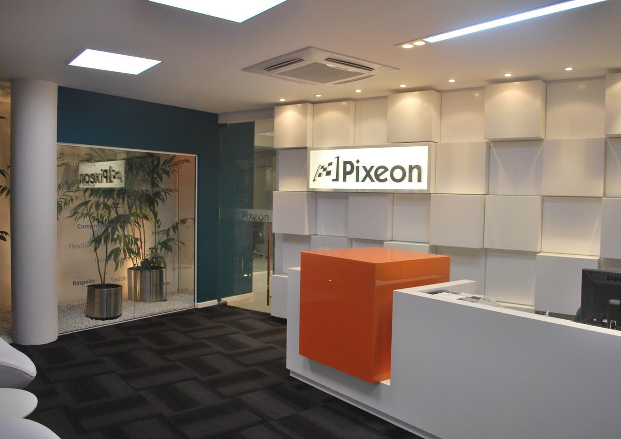 Pixeon 01.JPG
