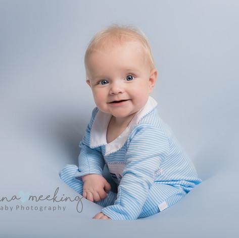 Leeds newborn baby photographer.jpg