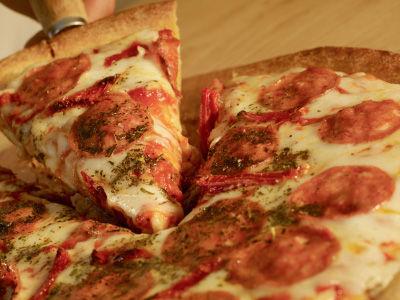 Charlie_Fox_Batavia_Pizza.jpg