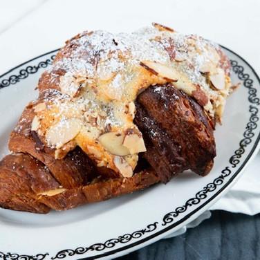 almond_croissant.jpg