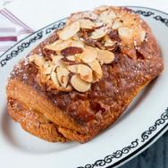 almond_chocolate_croissant.jpg