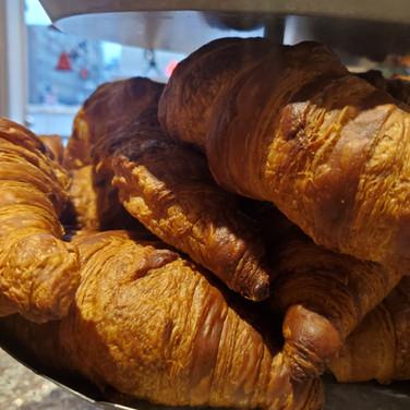 Butter_Croissant.jpg